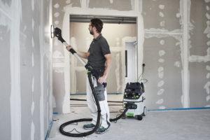 Paredes y techos perfectos con la lijadora de pared PLANEX de FESTOOL